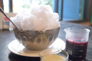 【八ヶ岳のかき氷食べ歩き】明治時代の学校校舎で食べる、老舗酒蔵の甘酒シロップかき氷