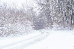朝は早めにエンジンオン、雨が降ったら要注意……冬の八ヶ岳で運転するならこんなところも意識を