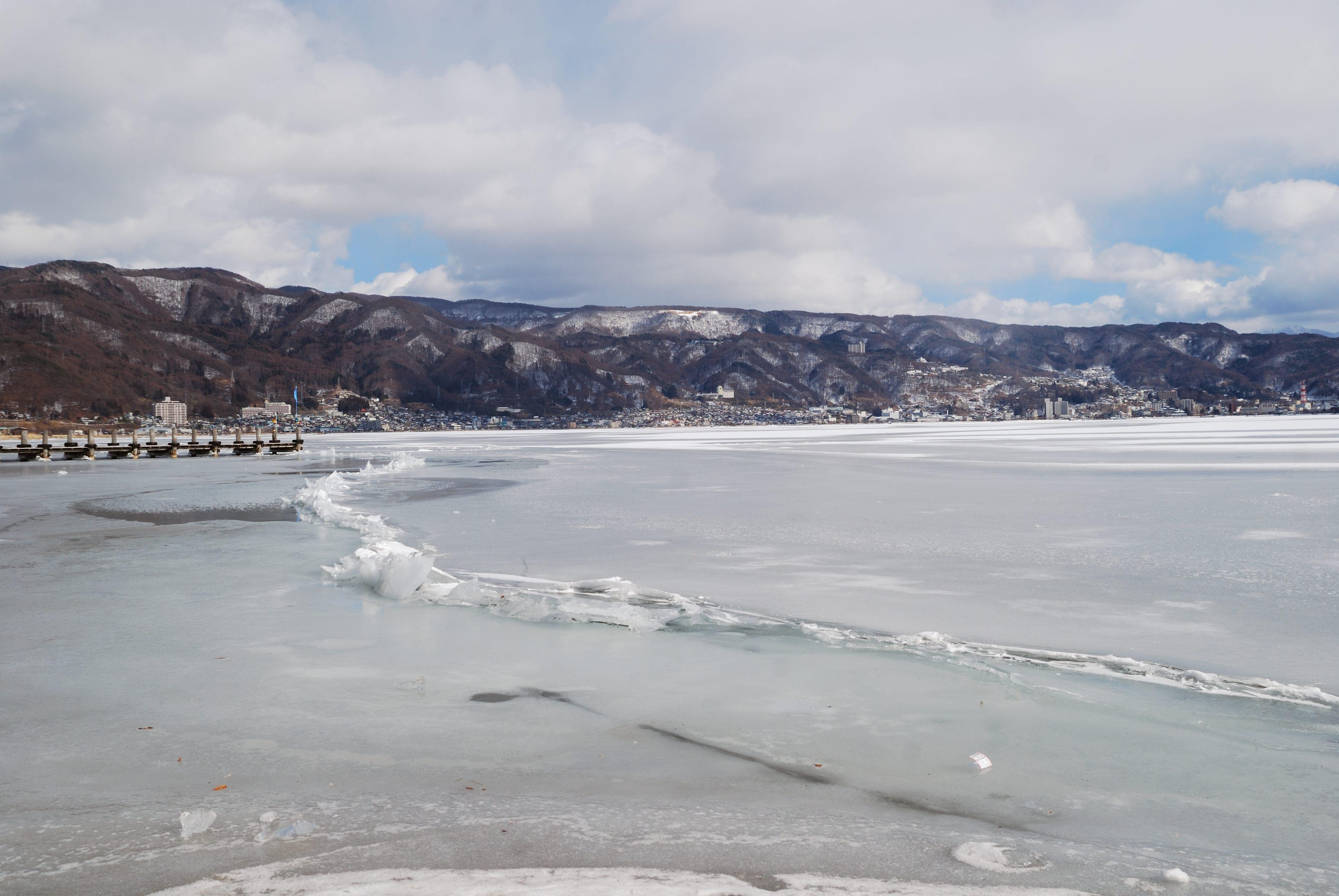 諏訪湖の御神渡り出現を祝って、周辺ホテルなどで特別プランや記念企画 ...